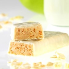 Crunchy apple snack bar
